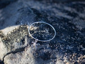 2mm sterling silver bangle with
