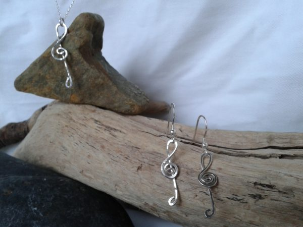 Handmade sterling silver treble clef pendant and earring