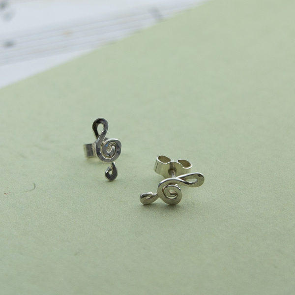 sterling silver treble clef studs